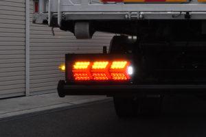 ナイトスター トラック ダンプ 積載車 3連テール 車検対応 小糸 花魁 ユーロトラック カミオン ランボルギーニ