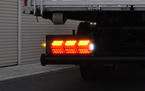 NIGHT STAR トラック用 3連サイズ ランボスタイル ファイバーLEDテール【ブラックタイプ】